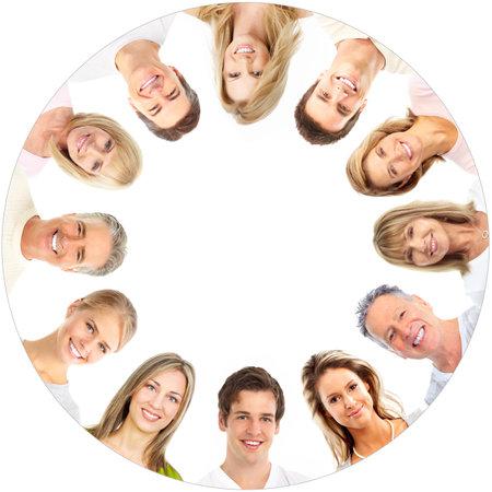 sonrisa: Rostros de personas sonrientes. Sobre fondo blanco