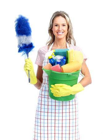 cleaners: Jonge lachende huisvrouw schoner. Op witte achtergrond