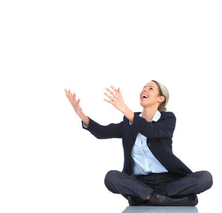 Sonriente mujer de negocios presentando. Aislados sobre fondo blanco Foto de archivo - 8868959