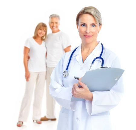 Doctor en hoger paar. Geïsoleerde over witte achtergrond.