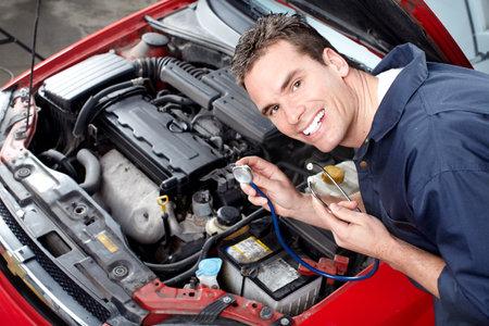 Mécanicien automobile Banque d'images - 9140212