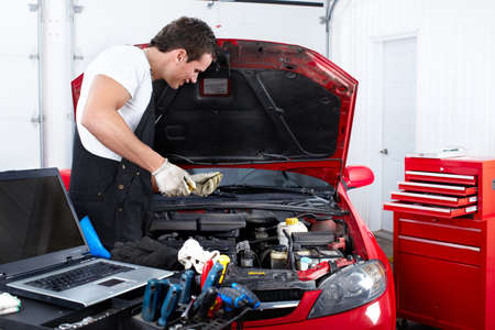 car transmission: Auto mechanic