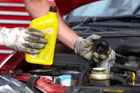 repair shop: Auto mechanic