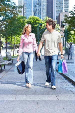 Shopping couple. Fashion. photo