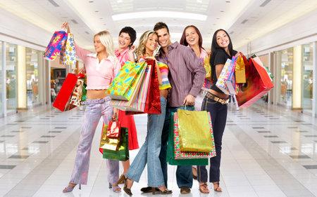 chicas comprando: Mujer de compras. Foto de archivo