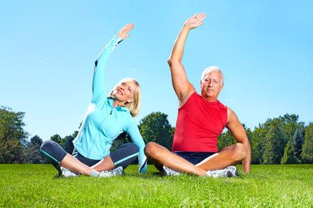mujeres ancianas: Estilo de vida saludable de gimnasio, Fitness.