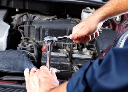 Auto mechanic Stock Photo - 10696490