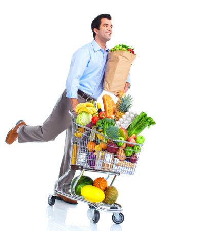 carro supermercado: Ejecución de hombre con un carrito de compras.