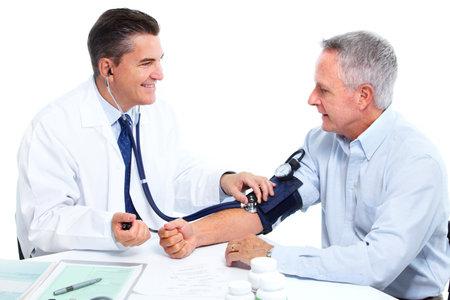 hipertension: La medición de la presión arterial médico.