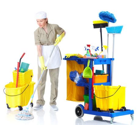 sirvienta: Limpiador de la mujer de limpieza fregando el suelo. Foto de archivo