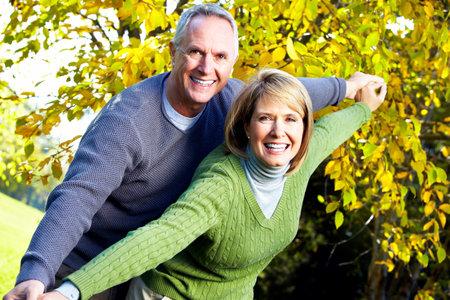 prendre sa retraite: Couple de personnes �g�es. Banque d'images