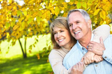 Feliz pareja de ancianos. Foto de archivo - 11292652