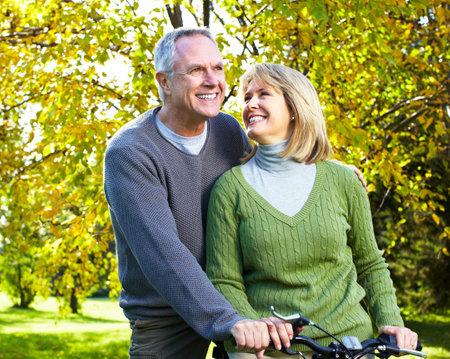행복 한 노인 커플. 스톡 콘텐츠 - 11292661