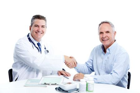Arts en patiënt senior man.