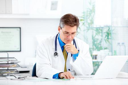 病院で医師。 写真素材