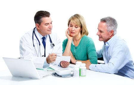 医師と患者の年配のカップル。 写真素材
