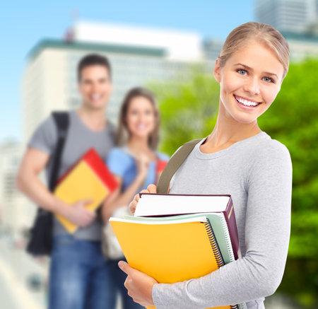 Una mujer joven estudiante