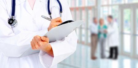 Handen van een arts Stockfoto