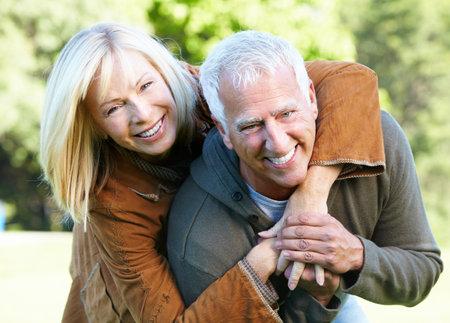 vejez feliz: Feliz pareja senior