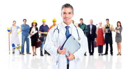 servicios publicos: Doctor y un grupo de trabajadores de la gente Foto de archivo