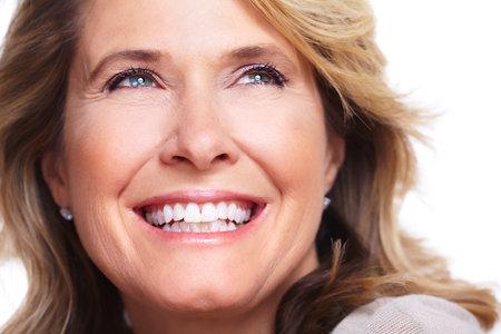 dentisterie: Happy senior woman Banque d'images