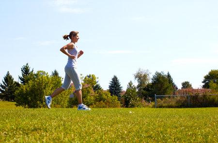 Jogging woman Stock Photo - 15412652