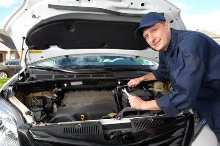 Mécanicien automobile professionnel Banque d'images - 15396883