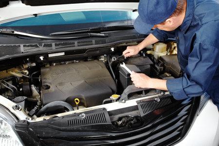 Mécanicien automobile professionnel Banque d'images - 15396926