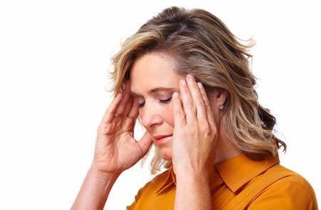 hoofdpijn: Senior vrouw met stress-