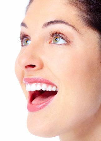 Schöne junge Frau Gesicht. Zahngesundheit.
