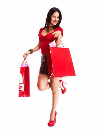 chicas comprando: Hermosa mujer de compras. Aislado sobre fondo blanco.