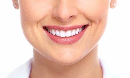 smile: Sonrisa hermosa de la mujer