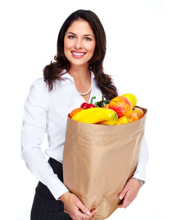 bolsa supermercado: Mujer joven con una bolsa de supermercado