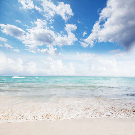 Beautiful ocean and sky  Stock Photo - 17315880