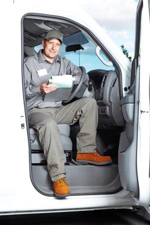 řidič: Pohledný řidič kamionu