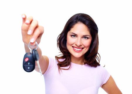 Vrouw met een autosleutels Stockfoto