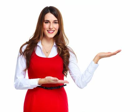 invitando: Mujer de negocios que presenta un copyspace