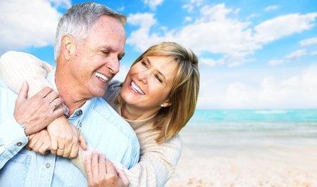 Feliz pareja de jubilados Foto de archivo - 22217276