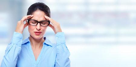 Vrouw met migraine.