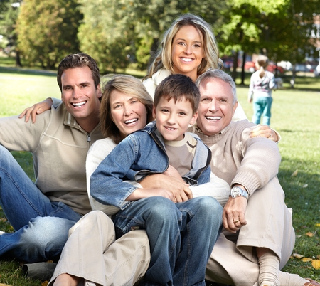 Happy family in the park. Banque d'images
