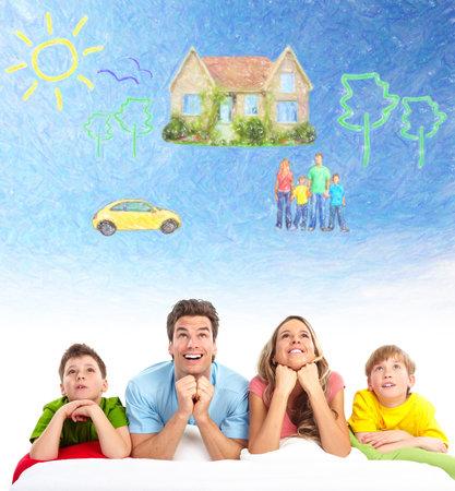 Famille penser nouvelle maison et la voiture. Banque d'images - 35752069
