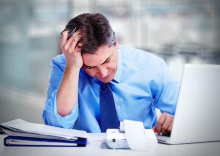 Man having migraine headache. Banque d'images