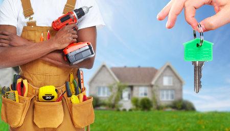 Manitas constructor con herramientas de construcción. Foto de archivo - 37531972