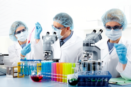 Groep van artsen in het laboratorium.