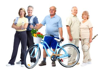 Groep ouderen fitness mensen met een fiets die een witte achtergrond.