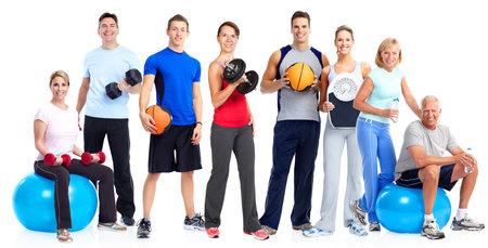 Groep gezonde fitness mensen geïsoleerd op een witte achtergrond.
