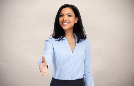 Amical femme d'affaires asiatique avec poignée de main. Banque d'images