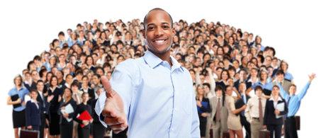 Afro-Amerikaanse zakenman en groep werknemers mensen.