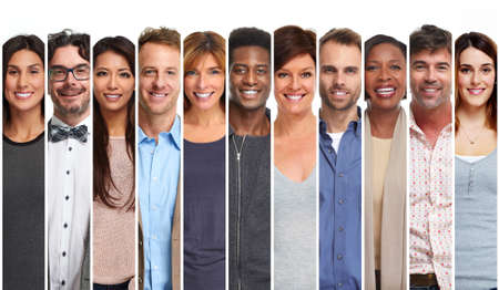 Szczęśliwy grupa uśmiechniętych ludzi ustawiony. Casual mężczyzn i kobiet, kolekcja
