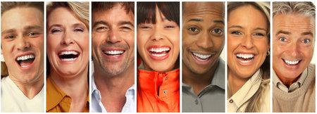 Set di gente che ride felice. Sorridente collezione facce. Archivio Fotografico - 64771376